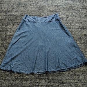 Light weight a-line skirt.